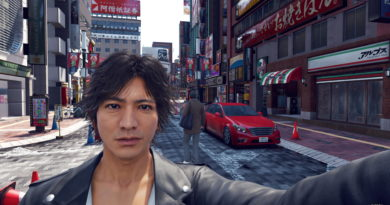Yamagi taking a selfie on Nakamichi Street, Kamurocho.