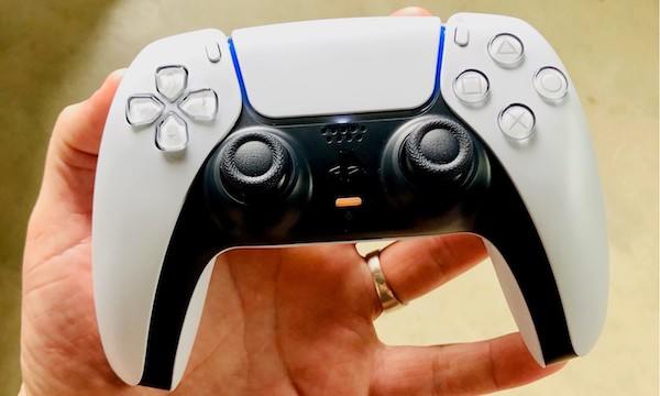 PS5 Hands On Dualsense